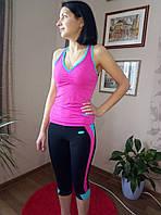 Костюм спортивный с майкой и бриджами. черно-розовый
