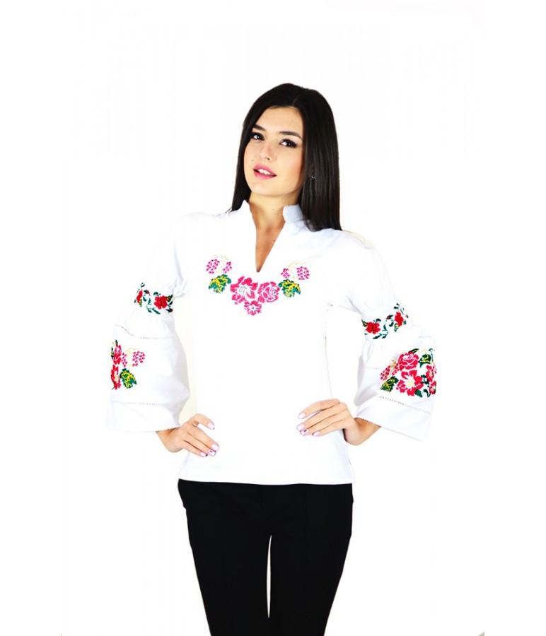Сучасна вишиванка. Жіноча сорочка. Біла жіноча сорочка з вишивкою ... 5230a40142e93
