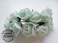 Розы из латекса светлая мята