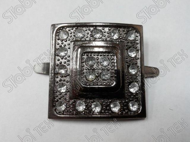 Квадрат с камнем блєк никель