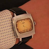 ЗИМ мужские наручные механические часы СССР, фото 1