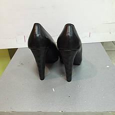 Туфли женские кожаные оливкового и черного цвета на каблуке OTHER Stories d45898e810362