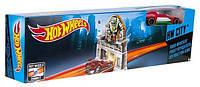 Hot Wheels ( Хот Вилс ) игрушки. Трасса, Робот-крушитель  DNN78 DNN77