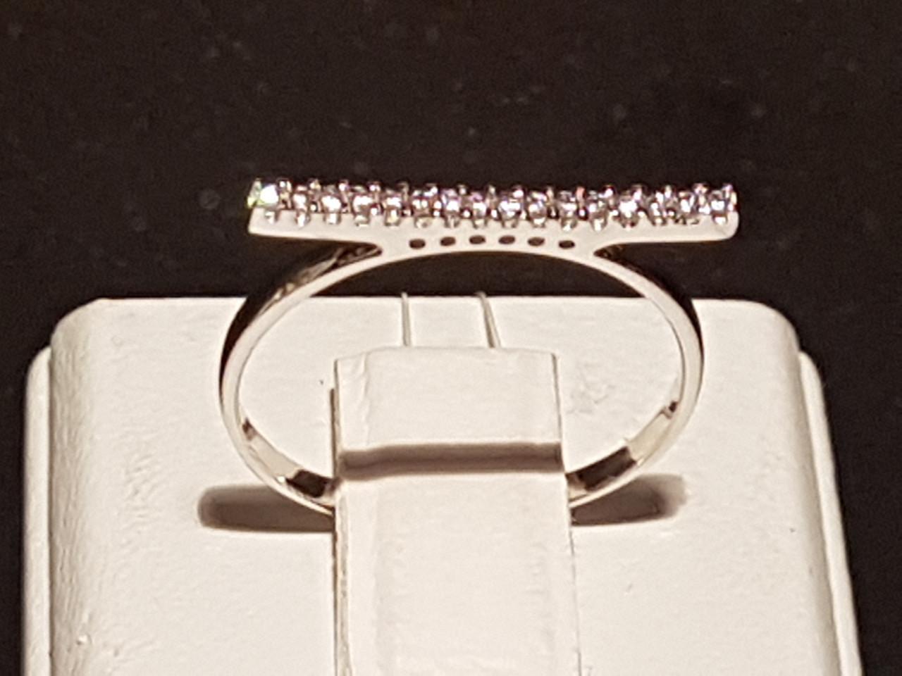Серебряное кольцо с фианитами. Артикул 901-00946 16