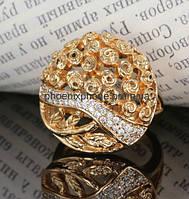 Кольцо в чудесном исполнении, с фианитами, покрытое золотом (135760)