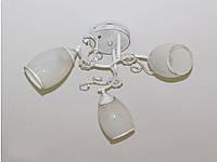 Люстра потолочная  белая на 3 лампы