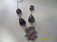 Ожерелье с натуральным камнем флюорит в серебре.