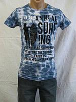 Модная мужская футболка с надписью на груди