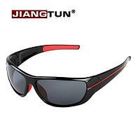 Солнцезащитные очки из чёрного пластика, ближе к спортивным, стёкла с поляризацией