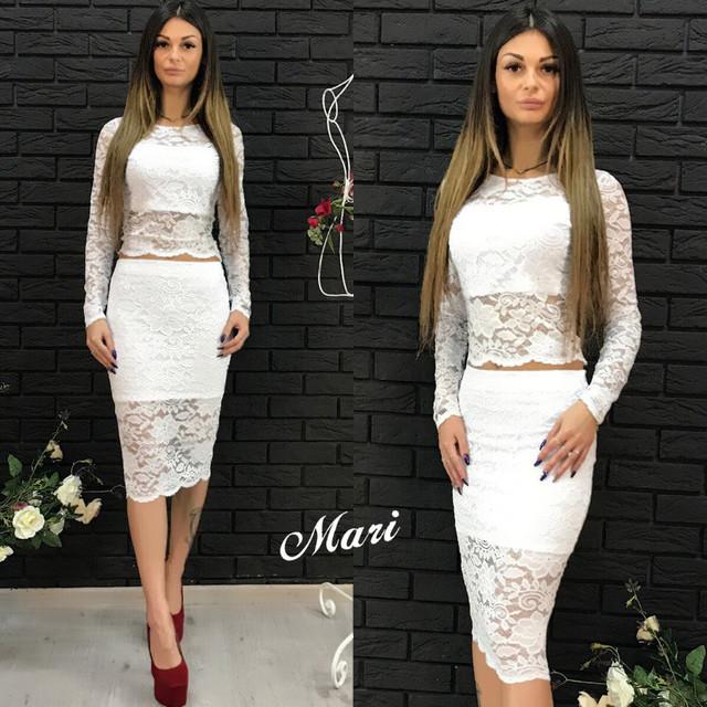 a8ebfc5709e Смотрите больше модной одежды на нашем сайте http   shoppingood.com.ua g12430752-modnye-zhenskie-kostyumy.  Костюм гипюровый топ и юбка карандаш миди разные ...