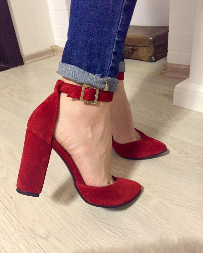Красные замшевые туфли на устойчивом каблуке - TIASS - женская одежда обувь  от фабрик Украины. 4eac9353d6318