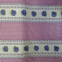 Ситец с розовой клеточкой и цеточком белом фоне