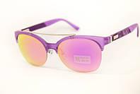 Солнцезащитные очки сиреневого цвета