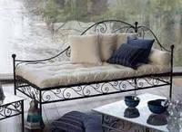 Кованый диван с угловой спинкой