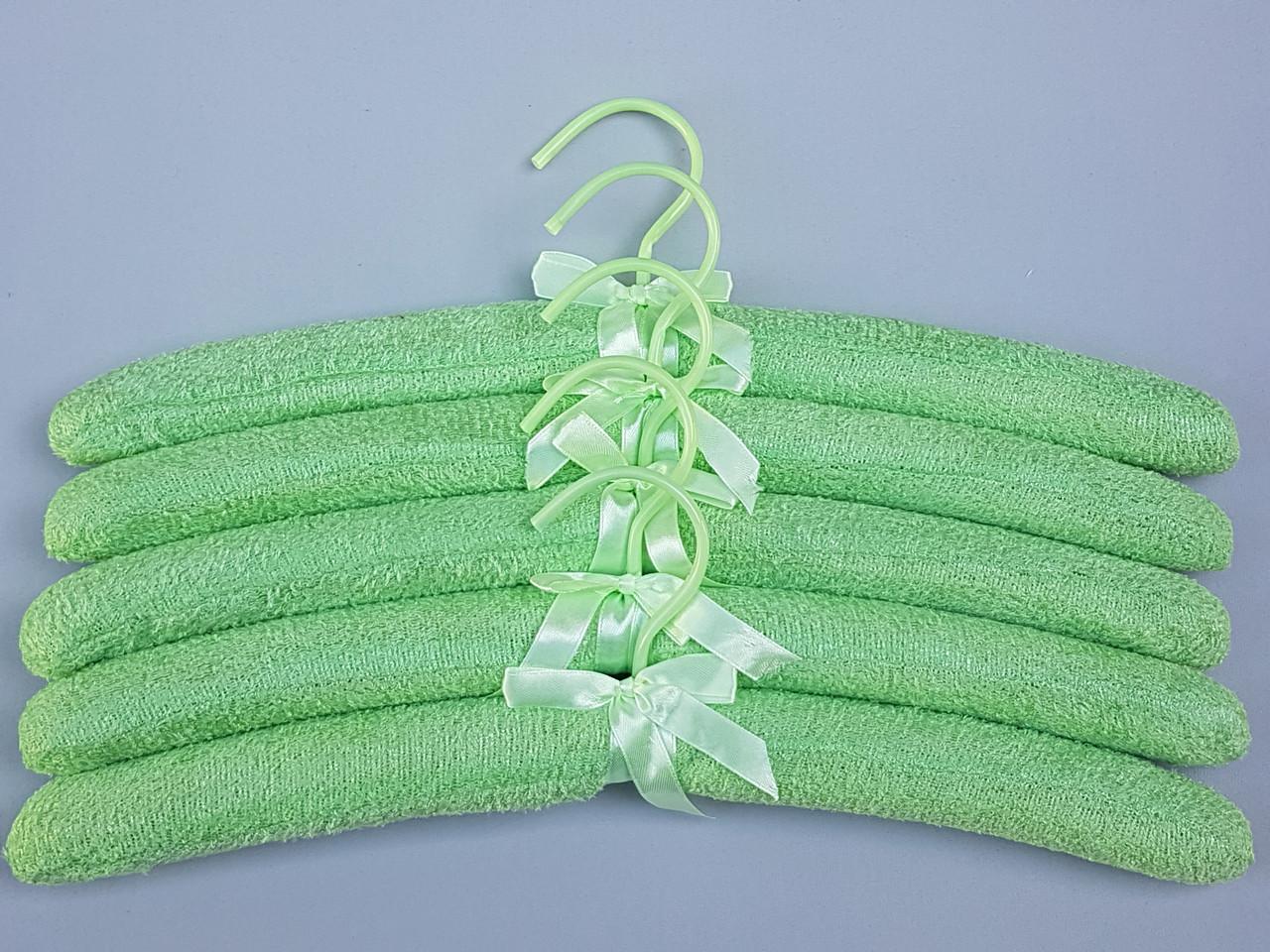 Плечики вешалки тремпеля мягкие махровые  для деликатных вещей салатового цвета, длина 38 см,в упаковке 5 штук