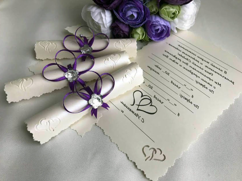 """Свадебные пригласительные в свитках """"Бантик сиреневый"""""""