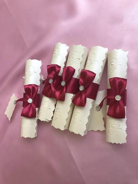 """Свадебные пригласительные """"Классический свиток """"цвет бантика марсала"""