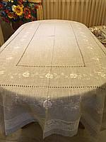Cкатертина вишита на стіл лляна з квітами ручної роботи