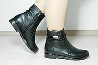 Демисезонные ботинки из натуральной кожи без каблука