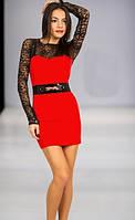 Трикотажное платье с гипюровыми рукавами