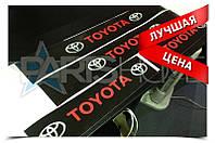 Защитные наклейки на пороги Toyota