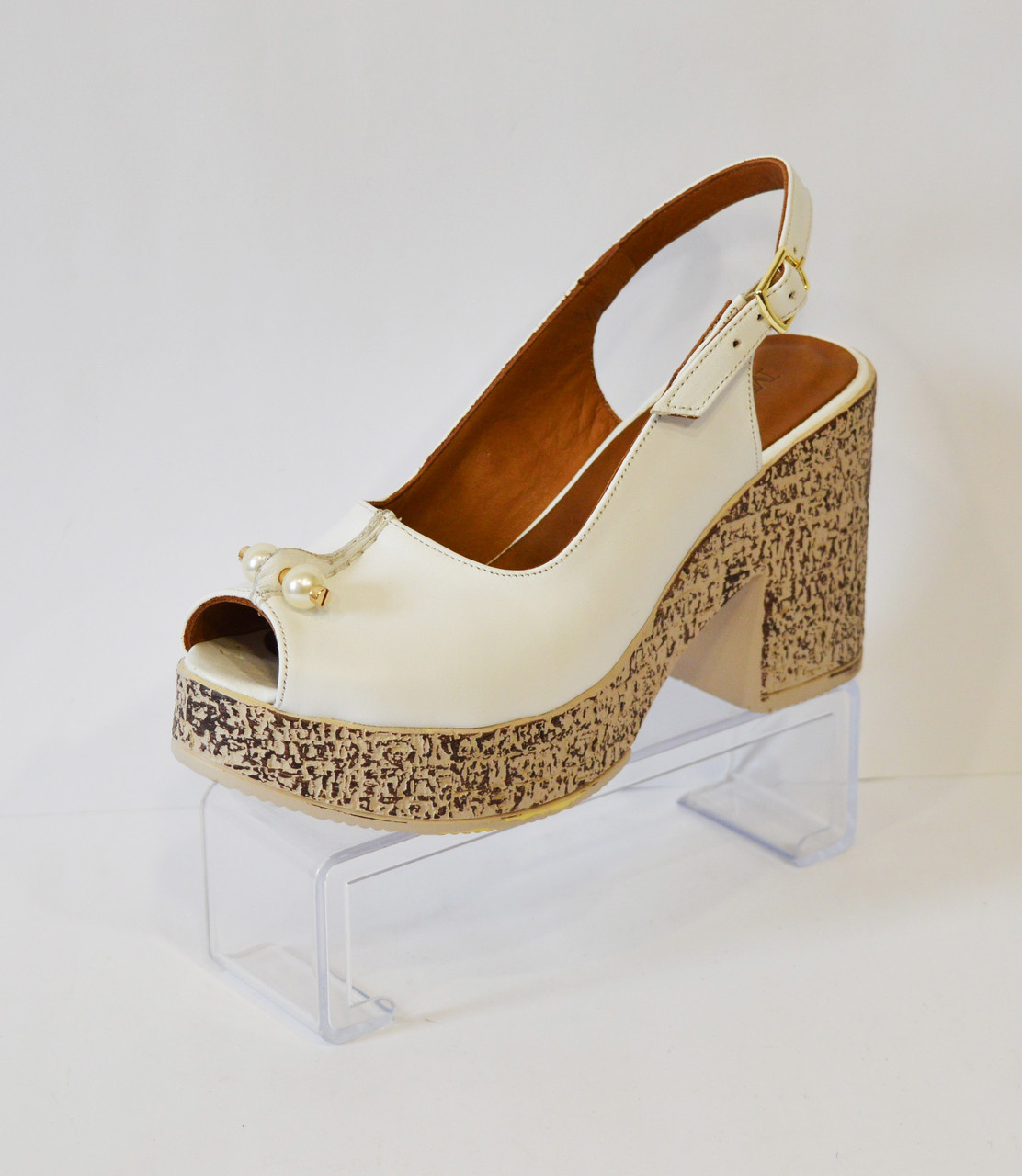 Женские белые босоножки Molly Bessa 135-72
