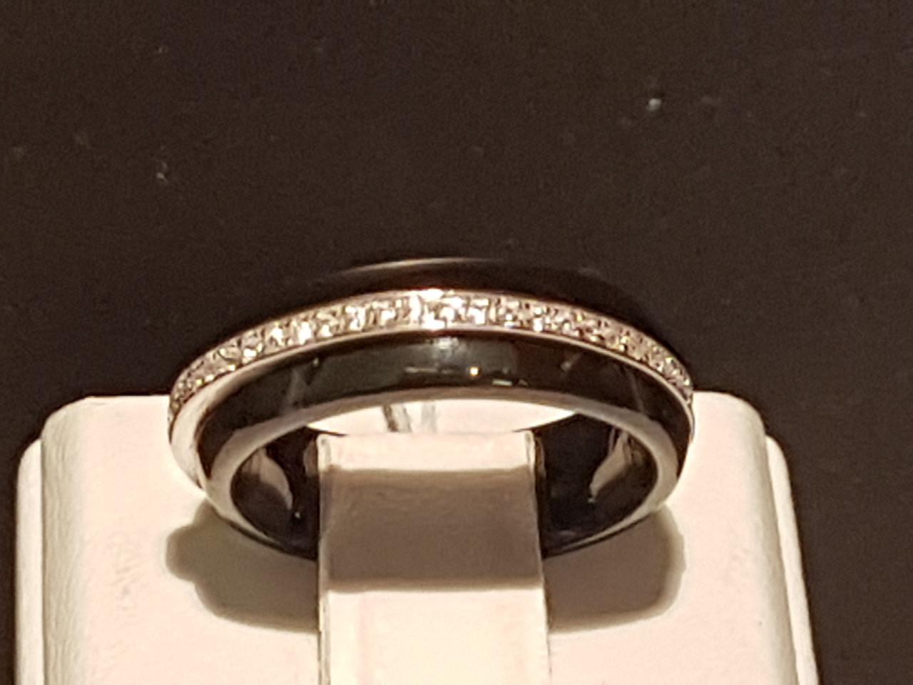 Серебряное кольцо с керамикой и фианитами. Артикул КК2ФК/1000 16,5