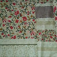Бязь с в стиле Прованс с кружевом и мелкими красными цветочками