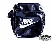 Модная сумка на плечо Nike лаковая черная