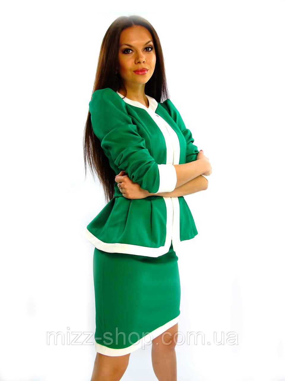 Элегантный женский костюм