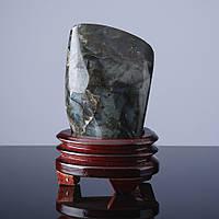 Камень Сувенир на вес Лабрадор на подставке