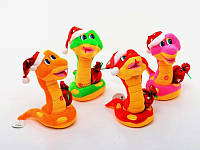 Змея игрушка в новогоднем колпаке M-ZY1024 16 (m+)