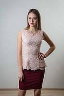 Блузка - баска с гипюромвым покрытием.