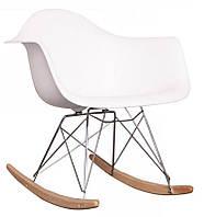 Кресло качалка с буковыми полозьями Лаунж (Тауэр R) белое Реплика на кресло-качалку Eames RAR Style