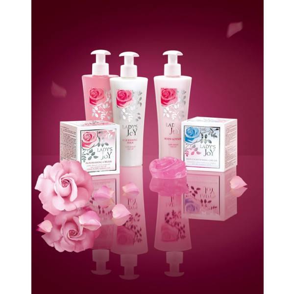 """Косметические продукты серии Lady's Joy содержат в своем составе натуральное розовое масло и розовую воду, полученных дистилляцией болгарской масличной розы Rose Damascene, которую по праву называют """"царицей"""" цветов."""