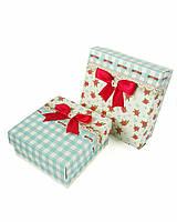 Маленькие квадратные подарочные коробки ручной работы в бирюзовом тоне с красными розочками