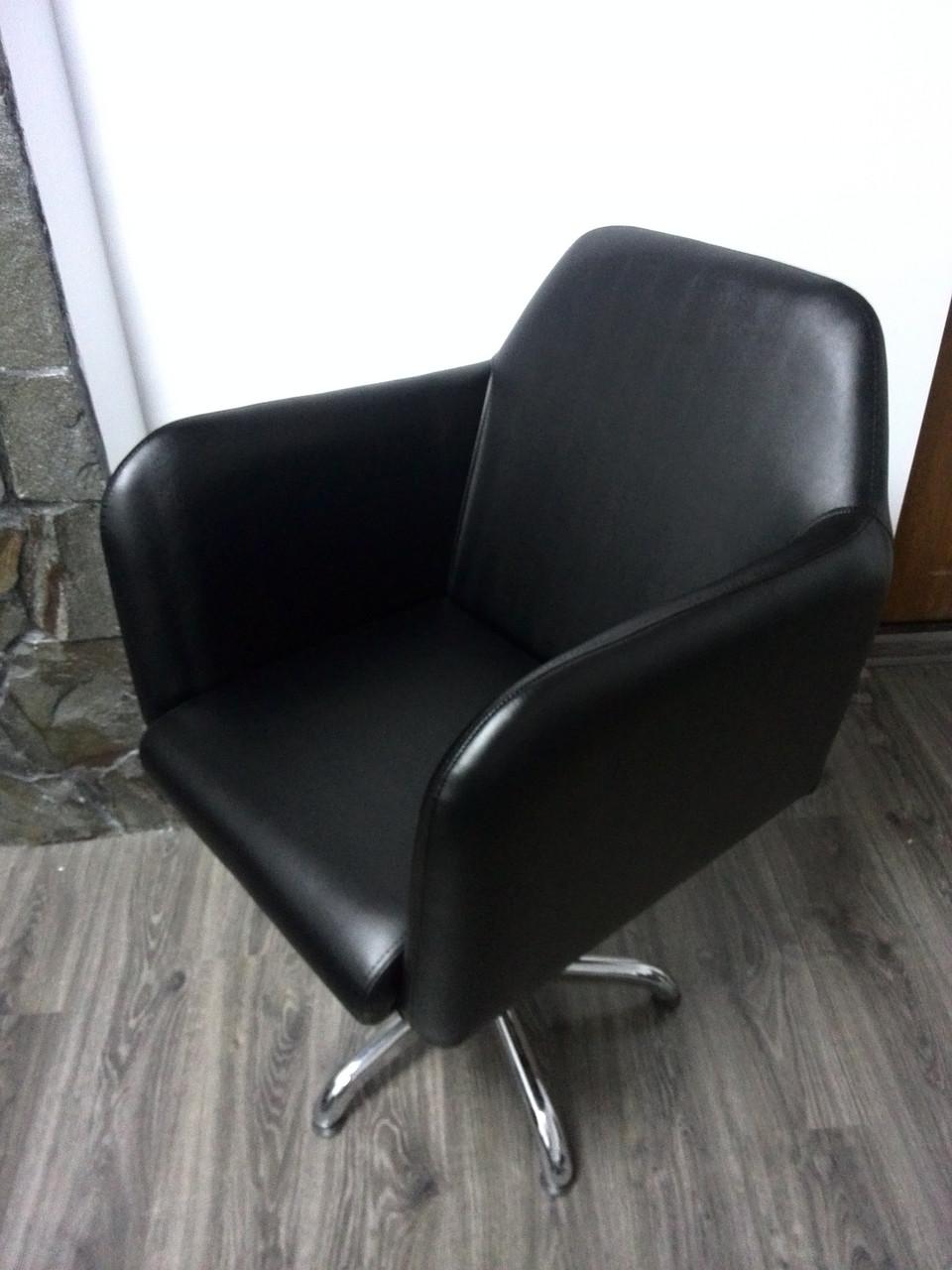 Парикмахерское кресло Stefan