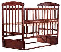 Кроватка Наталка с откидной боковушкой и маятником ольха темная