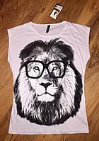 Женская футболка лев в очках белый