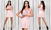 Короткое креповое женское платье с запахом без рукавов с атласными вставками