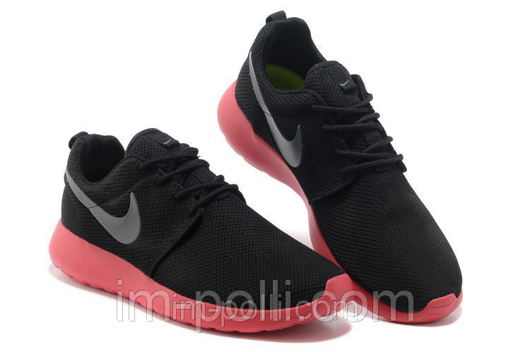 Женские кроссовки Nike Roshe Run черные с красным