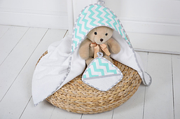 Комплект для купания малыша (Полотенце+мочалка)