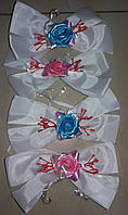 Бутоньерки на ручки свадебного авто шёлковые (белые) 4 шт.