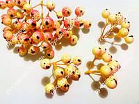 Ягоды коралл с желтым пучок 9 ягод