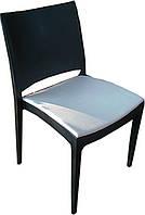 Стул пластиковый Спектрум С черный с белой подушкой из кожзама для открытых площадок