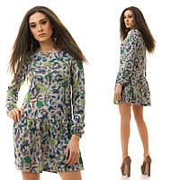 Трикотажное свободное платье с ярким рисунком, заниженая талия