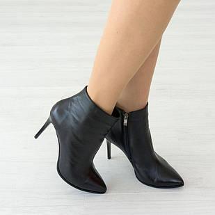 Черные кожаные ботинки 38. 40. на каблуке Woman's heel женские с заостренным носком 40
