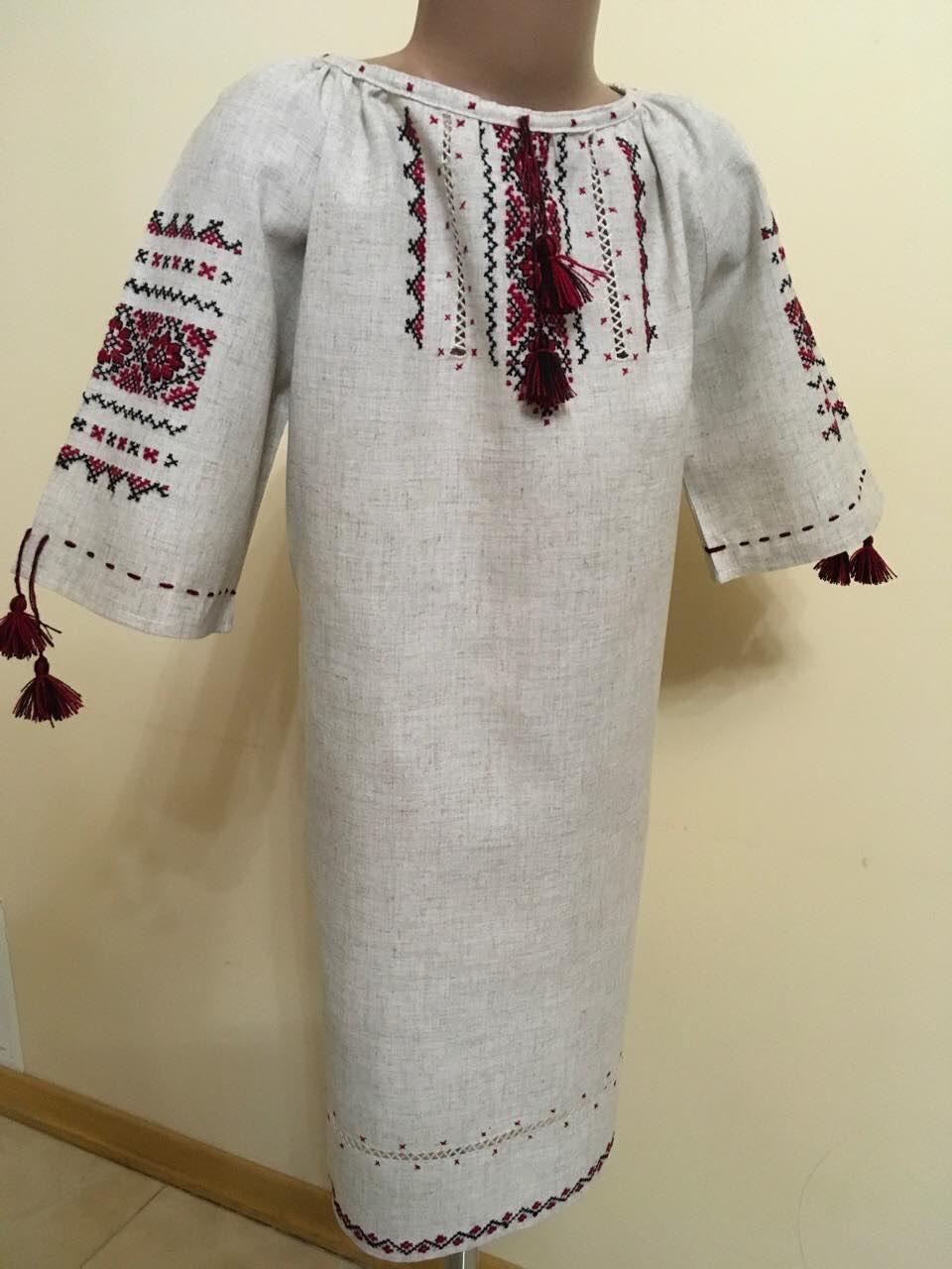 Сукня вишита підліткова для дівчинки 9-12 років ручної роботи - Скарбниця  Карпат- інтернет f8796af6f307a