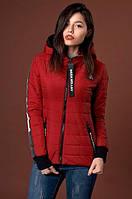 Курточка на тонком синтепоне красного цвета