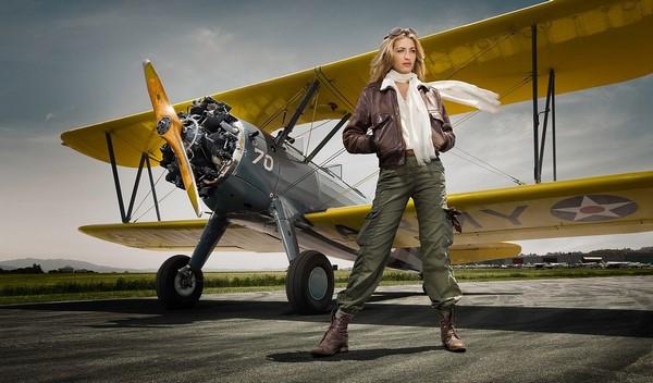 Первым делом девушки, а самолёты - потом.